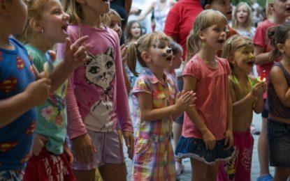 Léto s DK Akordem bude plné pohádek a koncertů
