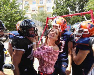 Míša Mauerová fandí nejtvrdšímu sportu, zažij atmosféru amerického fotbalu i ty!