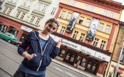 Den otevřených dveří ve Švandově divadle: Provádět vás bude i půvabná Eva Josefíková