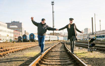 Starý železničář se zabydlí ve Švandově divadle, do repertoáru zařadí Slušného člověka od K. Čapka