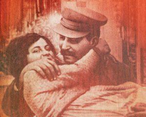 Stalinova dcera: Biografie ženy, kterou zločiny jejího otce dohnaly na každém kroku